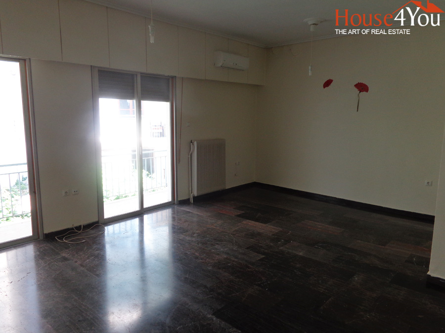 For sale 3bed apartment of 87sqm. 3rd floor in Kougiou street in Ioannina