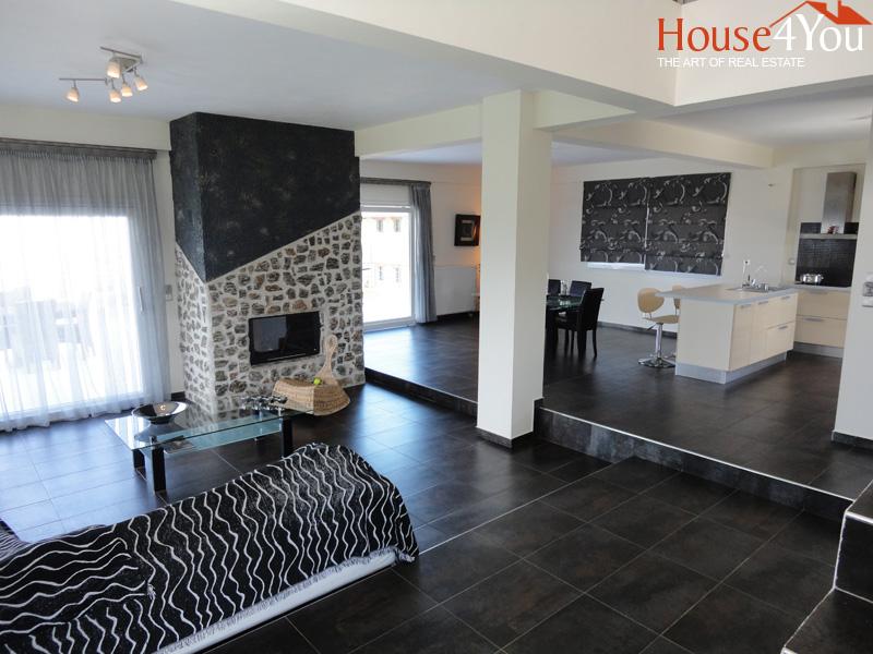 Πωλείται πολυτελής μονοκατοικία 180τμ. του 2009 στον οικισμό Κολωνιάτι Ιωαννίνων με απεριόριστη θέα