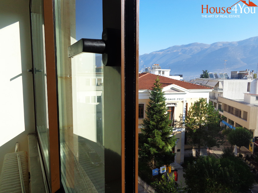 Office space for rent of 54sqm. in the center of Ioannina at Stoa Orpheus with a nice view