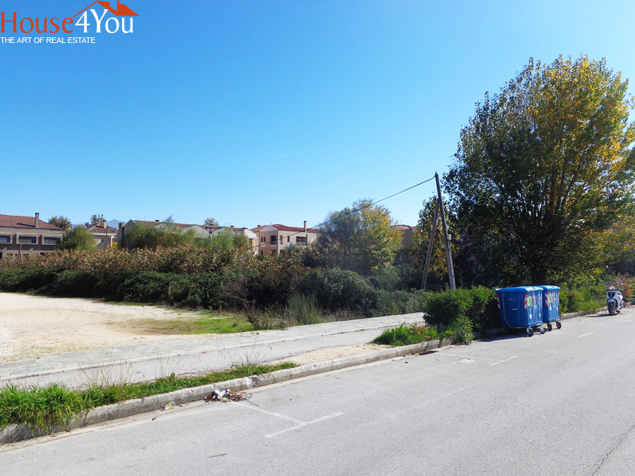 For sale plot of 1288sqm. with SD. 0.8 in Botanico Ioannina next to Hotel DU Lac