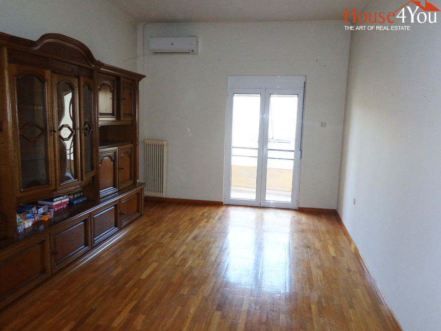 Two bedroom apartment of 80sqm. 4th floor in the center of Ioannina close to Alsos