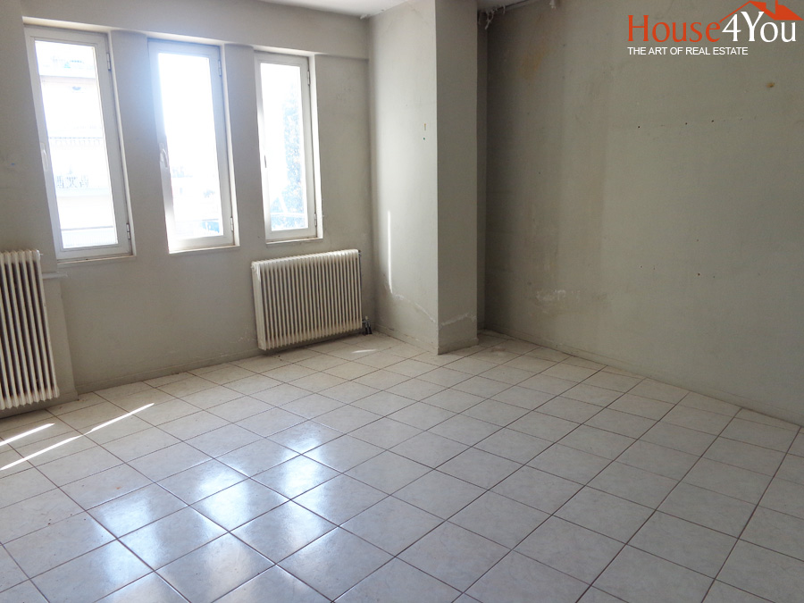 Commerciap Space for rent, 250sqm. 1st floor on the road of Dodoni in Giannena