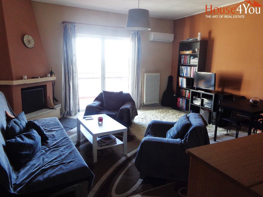 Πωλείται δυάρι διαμέρισμα 56τμ. 4ου ορόφου κατασκευής 1992 στο κέντρο των Ιωαννίνων στην οδό Μπιζανίου.