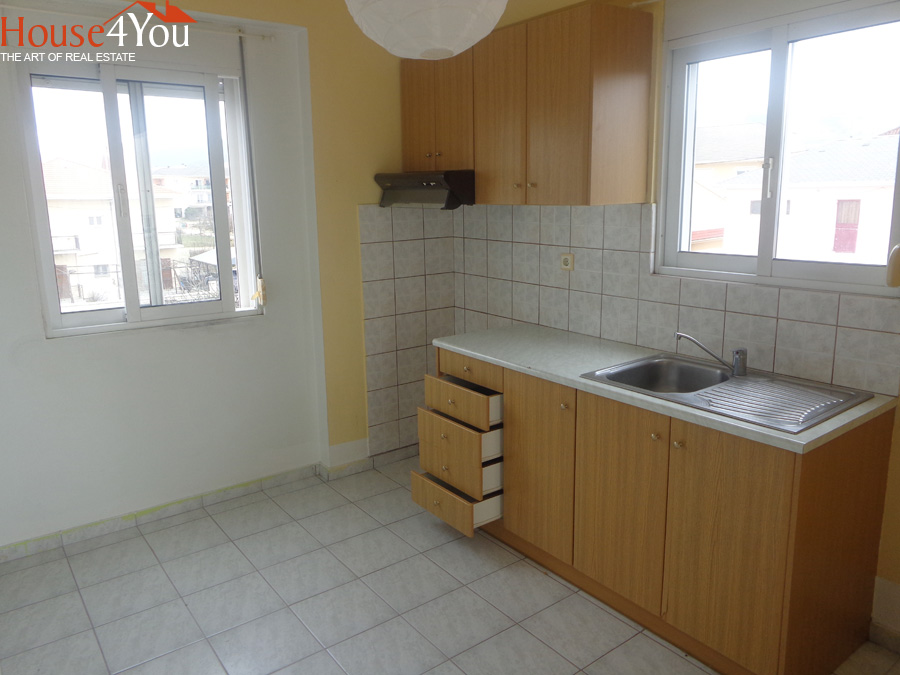 One bedroom split-level studio 31 sqm of 2003 1st floor opposite the Jumbo in Ioannina