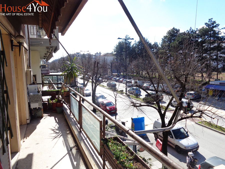For sale 107 sqm 1st floor business space on Dodoni 13 Avenue in the center of Ioannina