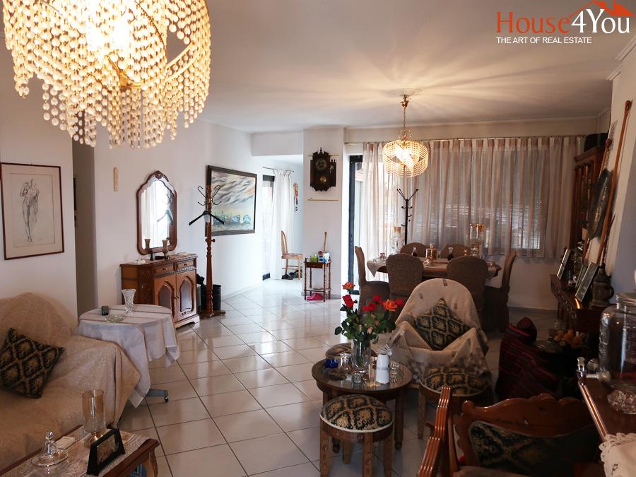 Πωλείται 4αρι διαμέρισμα 130 τμ. 6ου ορόφου στην Μιχαήλ Αγγέλου στο κέντρο των Ιωαννίνων