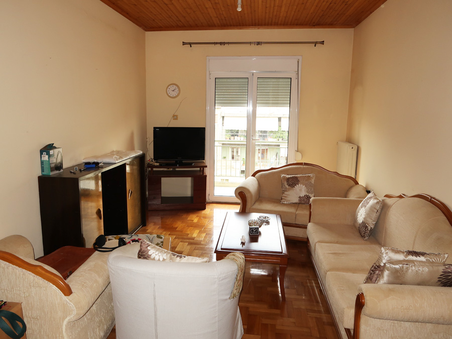 For sale 2-bedroom apartment of 80 sq.m. 4th floor in the pedestrian shopping center in the heart of the city in Ioannina