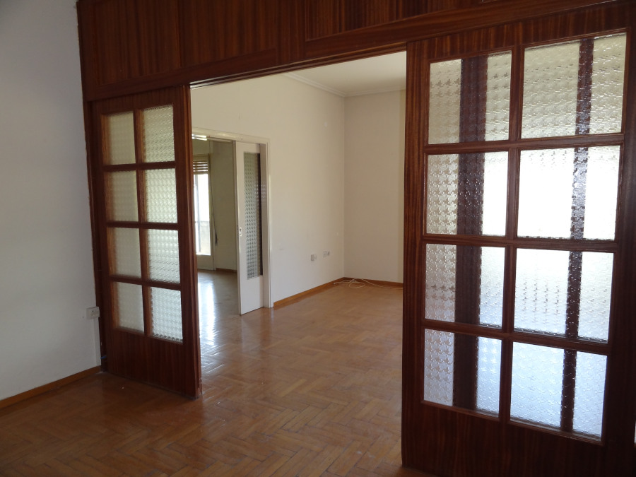 For rent commercial space office of 100 sq.m. 2nd floor on Dodoni Avenue near the Academy in Ioannina