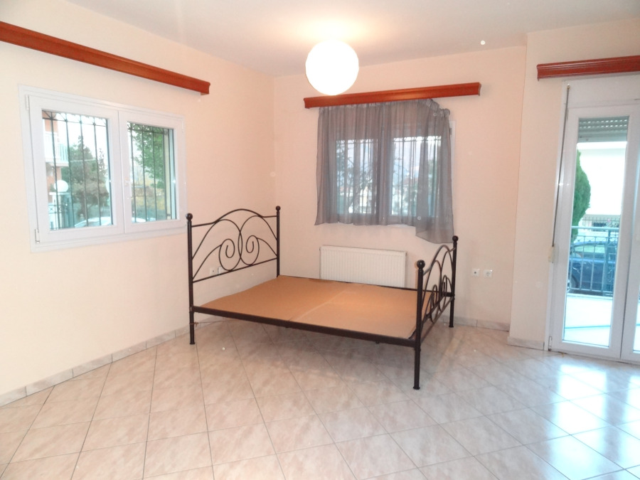 for rent studio of 40 sq.m. ground floor in Anatoli of Ioannina near the 1st High School