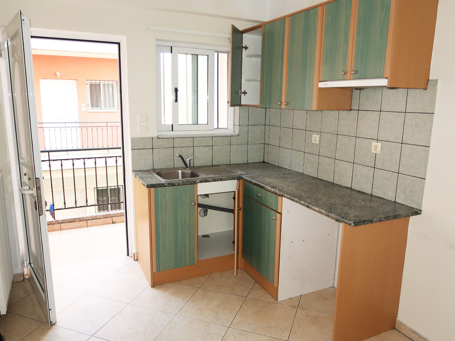 For sale a two-room studio 30sqm. 1st floor of 2005 near Niarchou Street in Ioannina