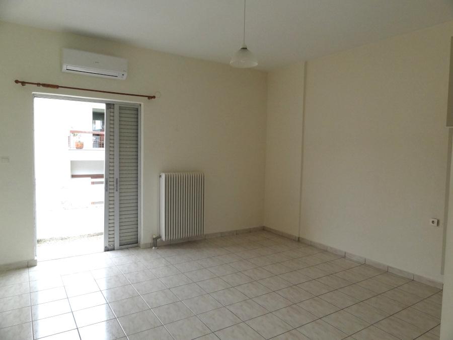 For rent studio of 32 sq.m. 2nd floor near the center of Ioannina near Agios Nikolaos Agoras