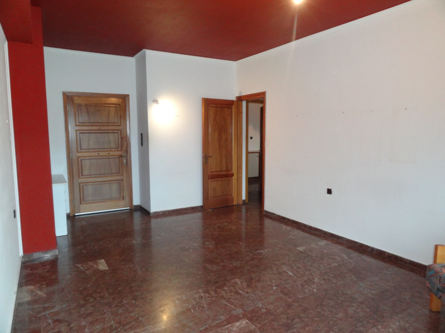For rent comfortable 1 bedroom apartment of 67 sq.m. 2nd floor in the center of Ioannina near the Academy