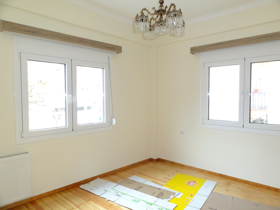 For rent 2 bedrooms renovated apartment of 73 sq.m. 1st floor near the Jewish cemetery in Ioannina.