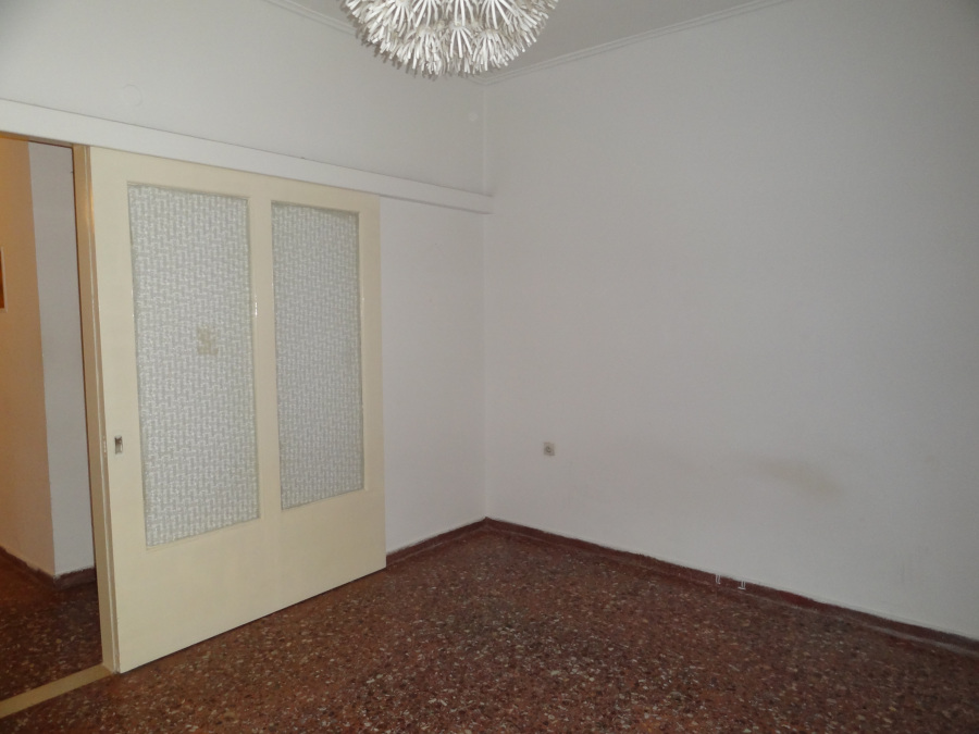 For rent 1 bedroom apartment of 56 sq.m. 1st floor near the center of Ioannina in the area of the stadium