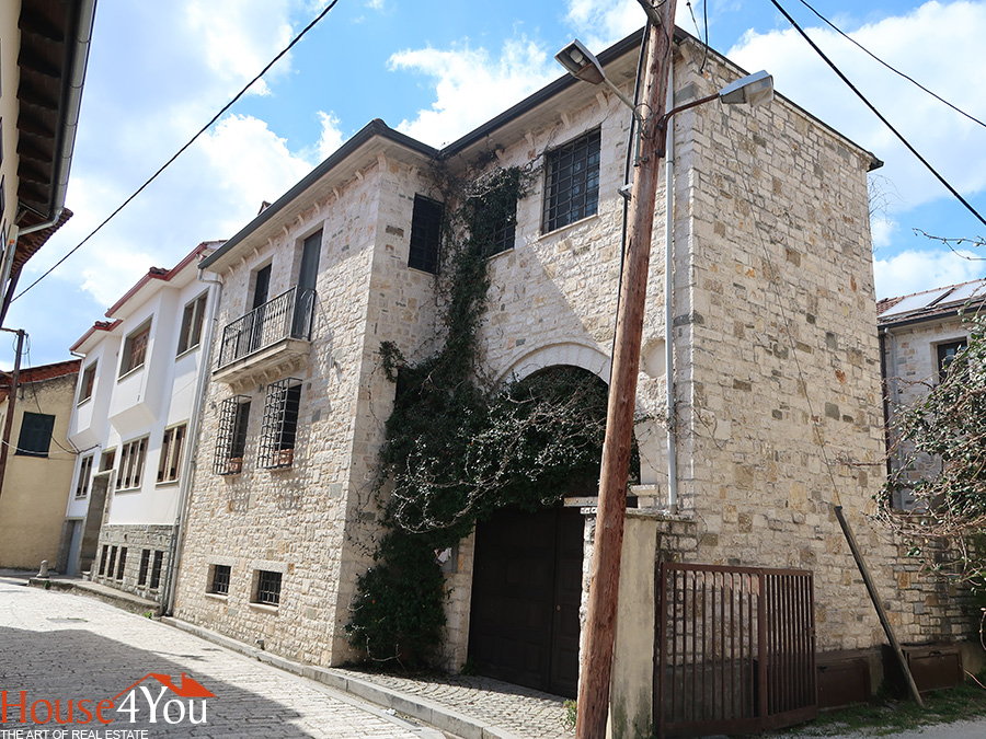 For sale a two-storey house built in 2004 with a total area of 313 sq.m. in the Castle of Ioannina