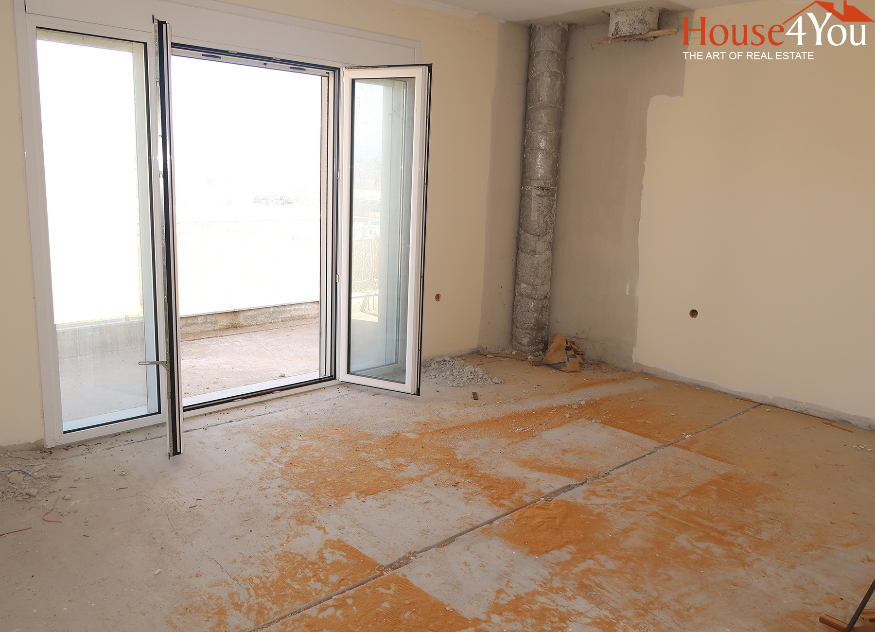 For sale a 3 bedroom apartment of 100 sq.m. on the 1st floor of 2013 near Vlachostrata in Stavraki, Ioannina