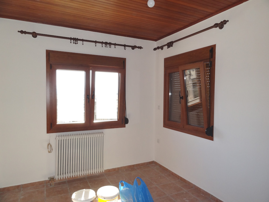 For rent 1 bedroom bright apartment of 60 sq.m. 6th floor in the center of the city of Ioannina near Pargis square
