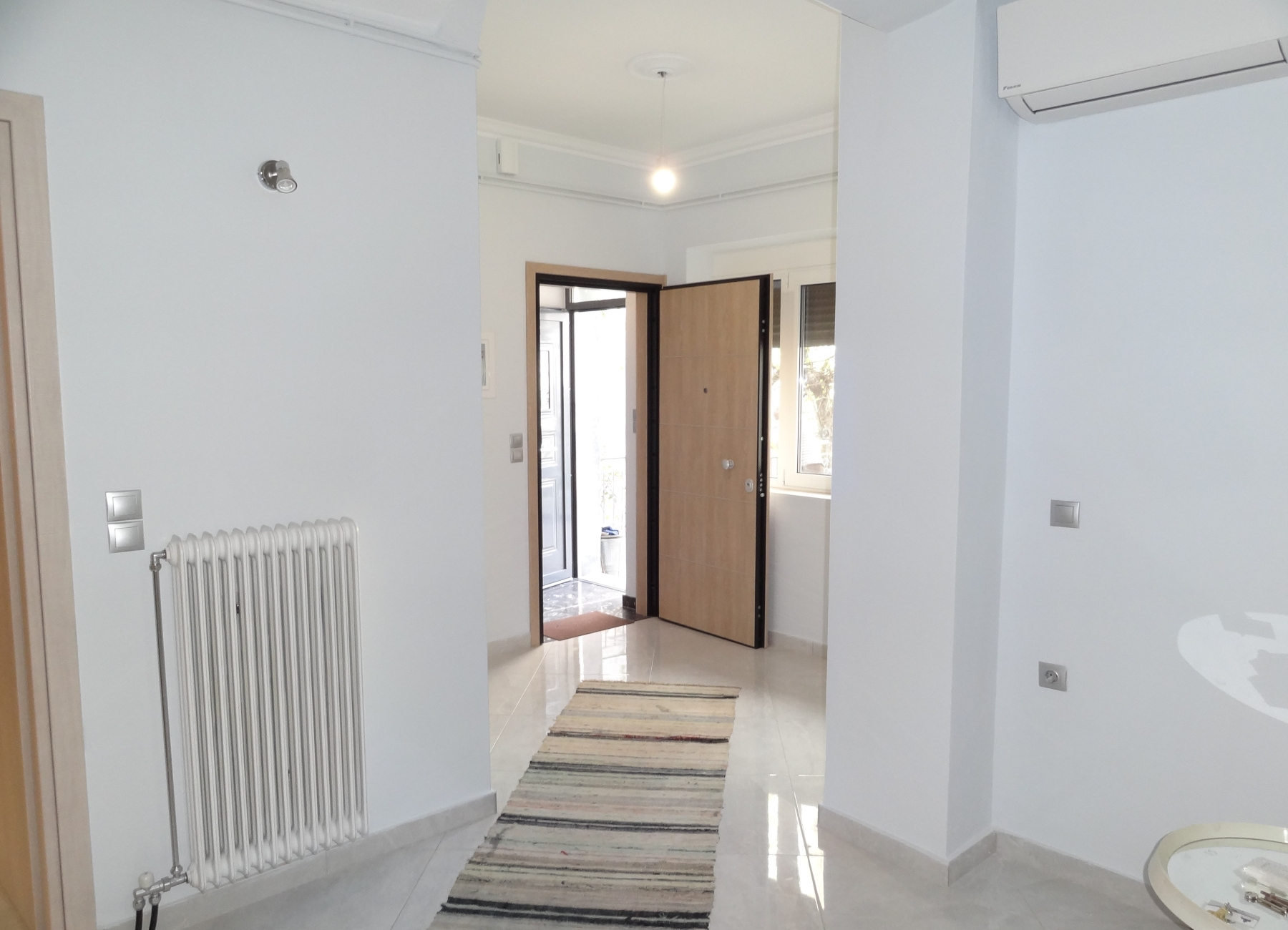 For rent fully renovated ground floor 2 bedrooms apartment of 65 sq.m. near Homer Square in Ioannina