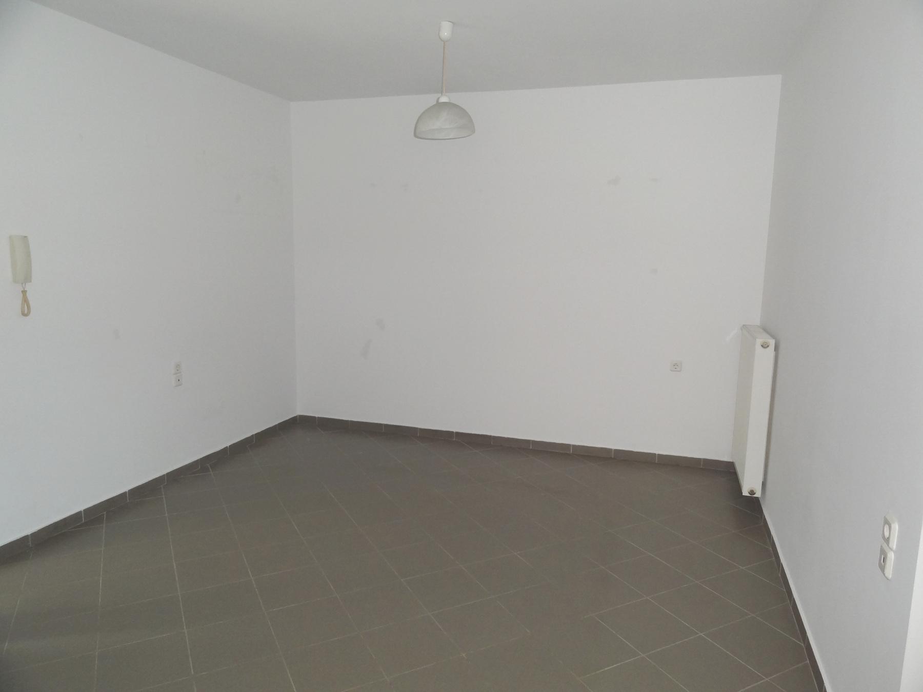 Ενοικιάζεται ισόγειο 2αρι διαμέρισμα 40 τ.μ. στην Εξοχή στα Ιωάννινα κοντά στο νοσοκομείο Χατζηκώστα