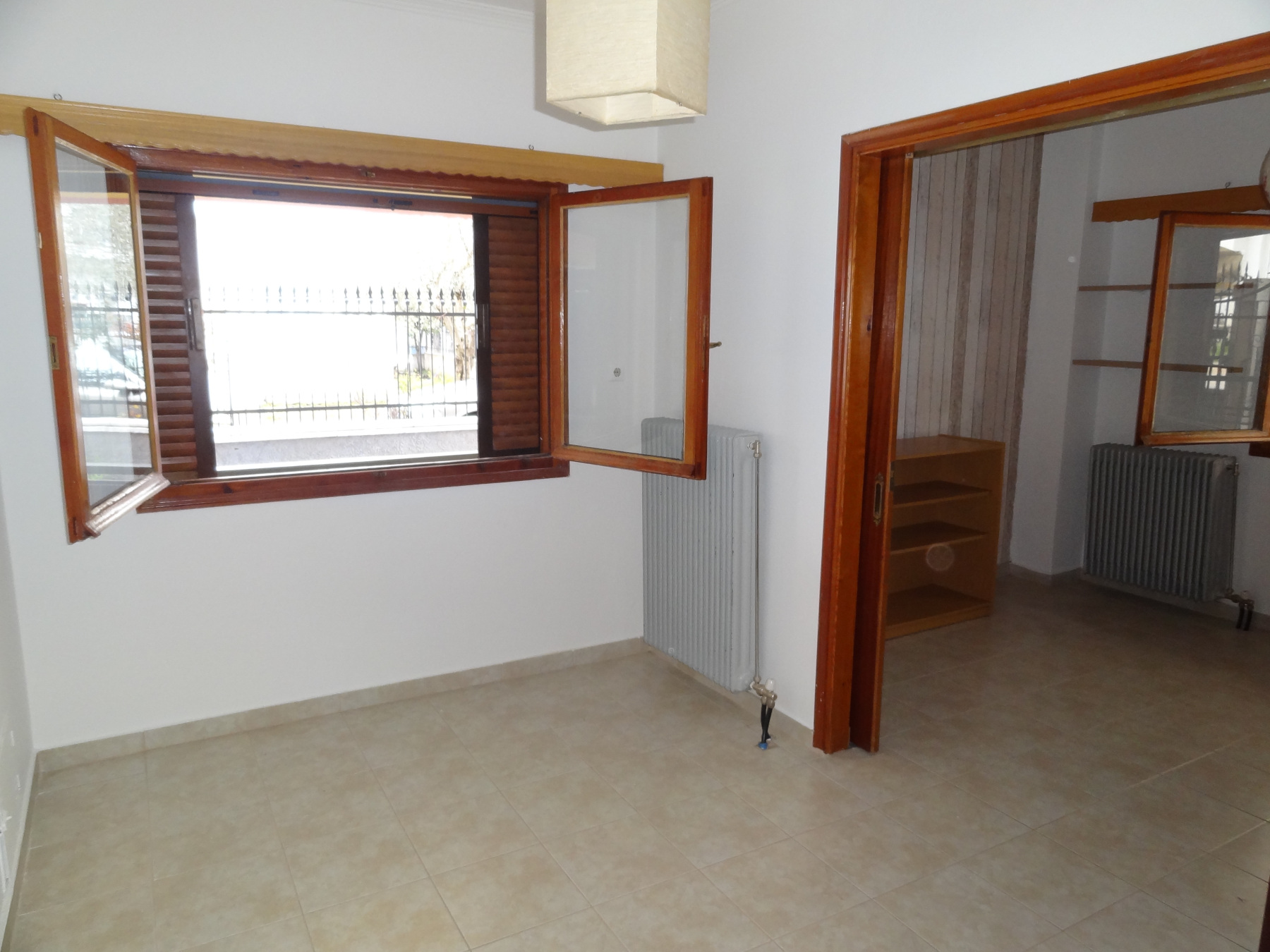 Ενοικιάζεται ισόγειο 2αρι διαμέρισμα 48 τ.μ. στα Ζευγάρια κοντά στην πλατεία Ομήρου στα Ιωάννινα