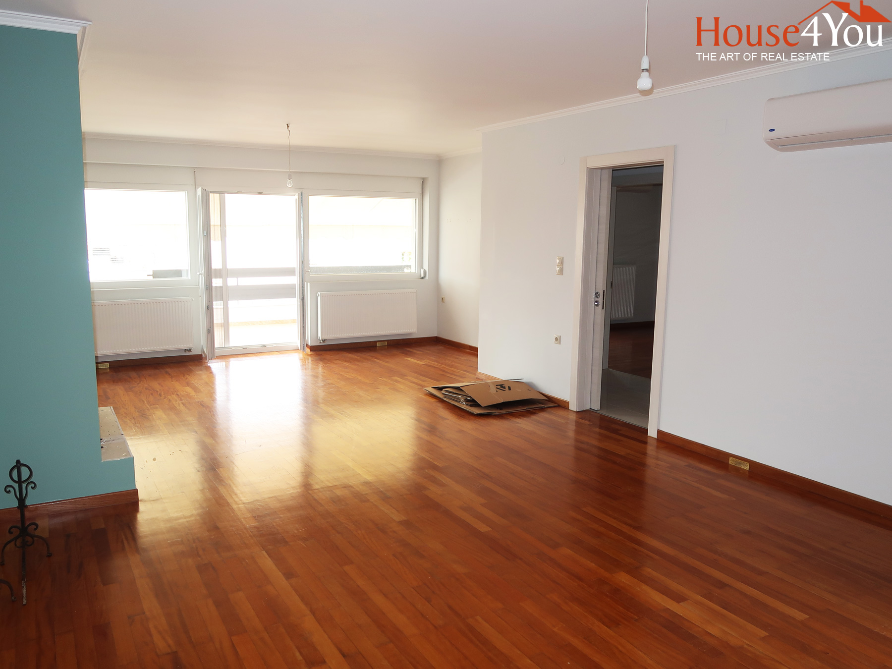 For sale luxury 2 bedrooms apartment of 103 sq.m. completely renovated in 2019 in the city center of Ioannina