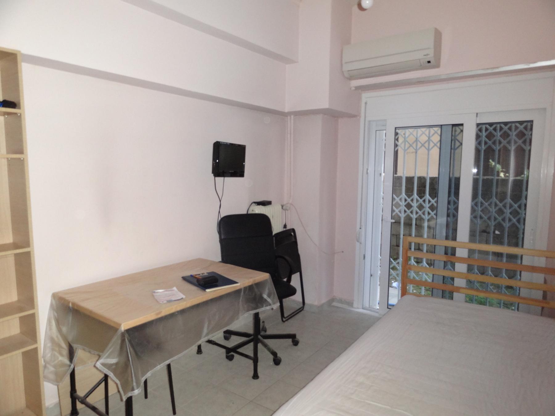 Ενοικιάζεται επιπλωμένο studio 25 τ.μ. ισογείου στην πλατεία Πάργης στα Ιωάννινα