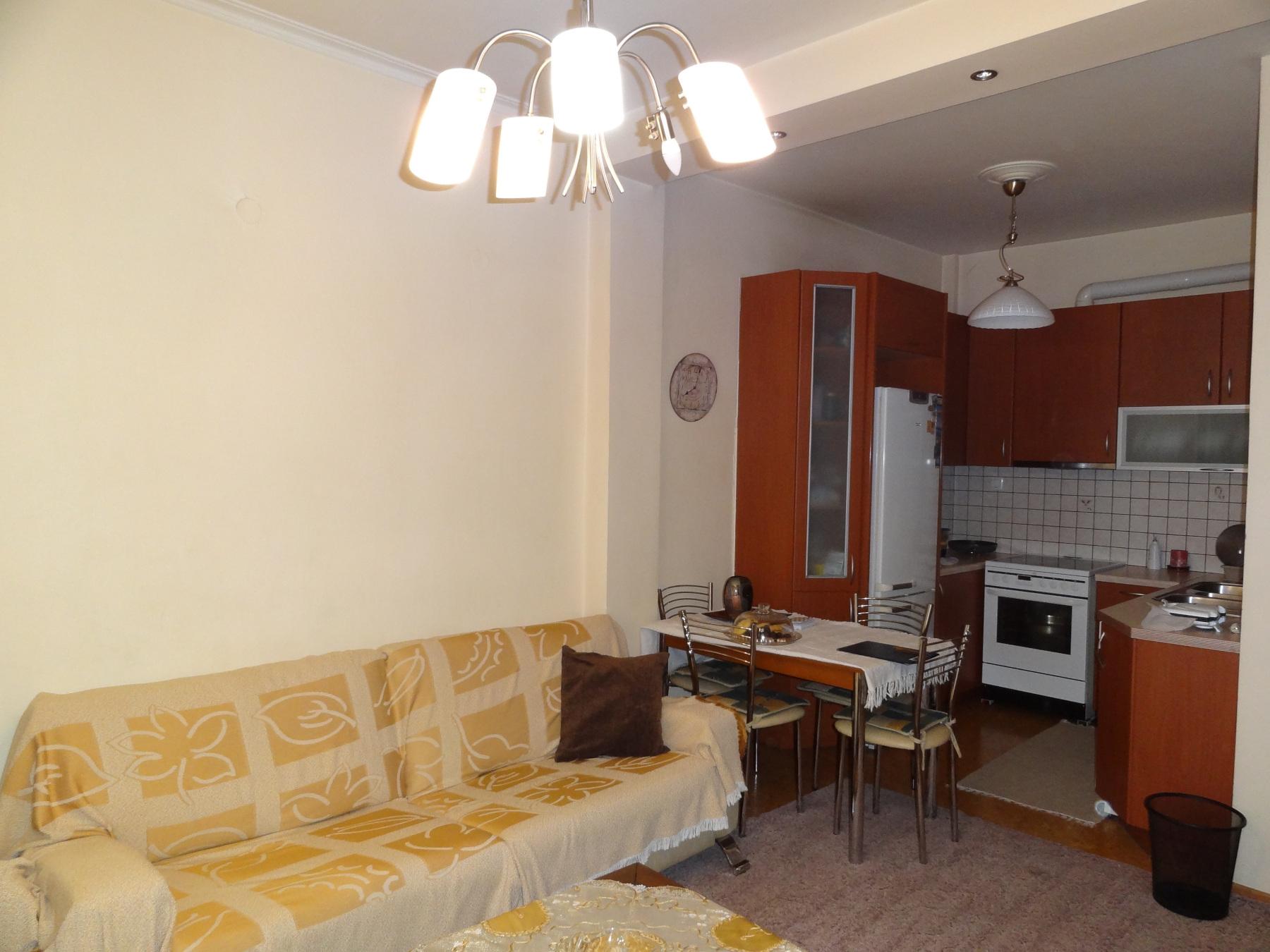 Ενοικιάζεται πλήρως επιπλωμένο 3αρι διαμέρισμα 65 τ.μ. 3ου ορόφου κοντά στην πλατεία Πάργης στα Ιωάννινα