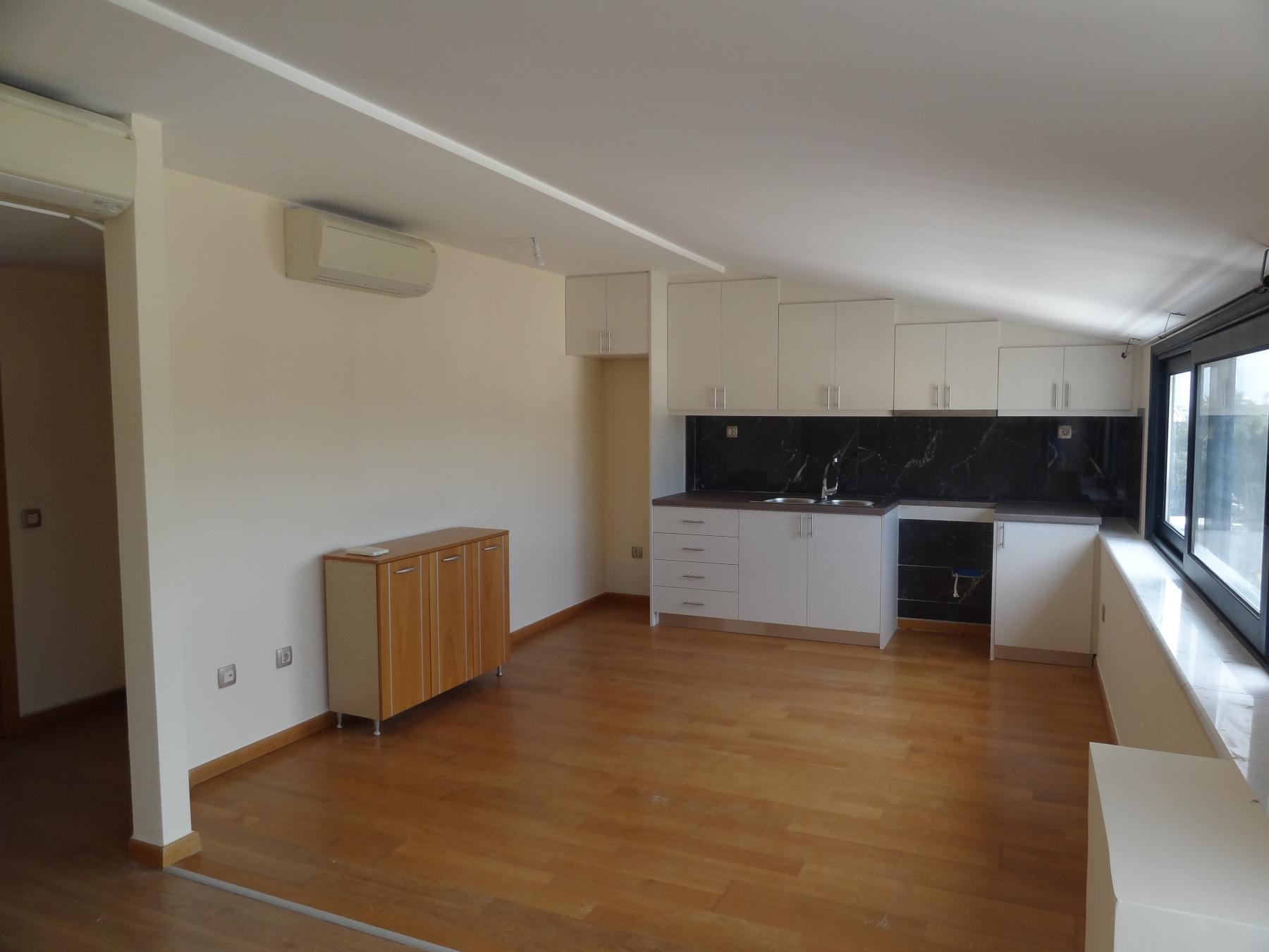 Ενοικιάζεται διαμπερές 2αρι διαμέρισμα 52 τ.μ. 5ου ορόφου  στο κέντρο των Ιωαννίνων πλησίον της Ακαδημίας