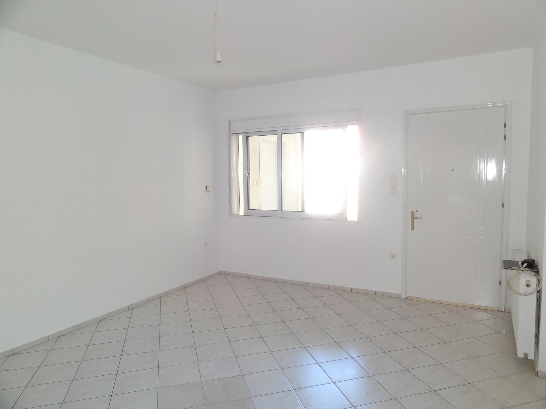 Ενοικιάζεται 2αρι διαμπερές διαμέρισμα 55 τ.μ. 1ου ορόφου κοντά στο κέντρο των Ιωαννίνων πλησίον της Λεωφόρου Δωδώνης