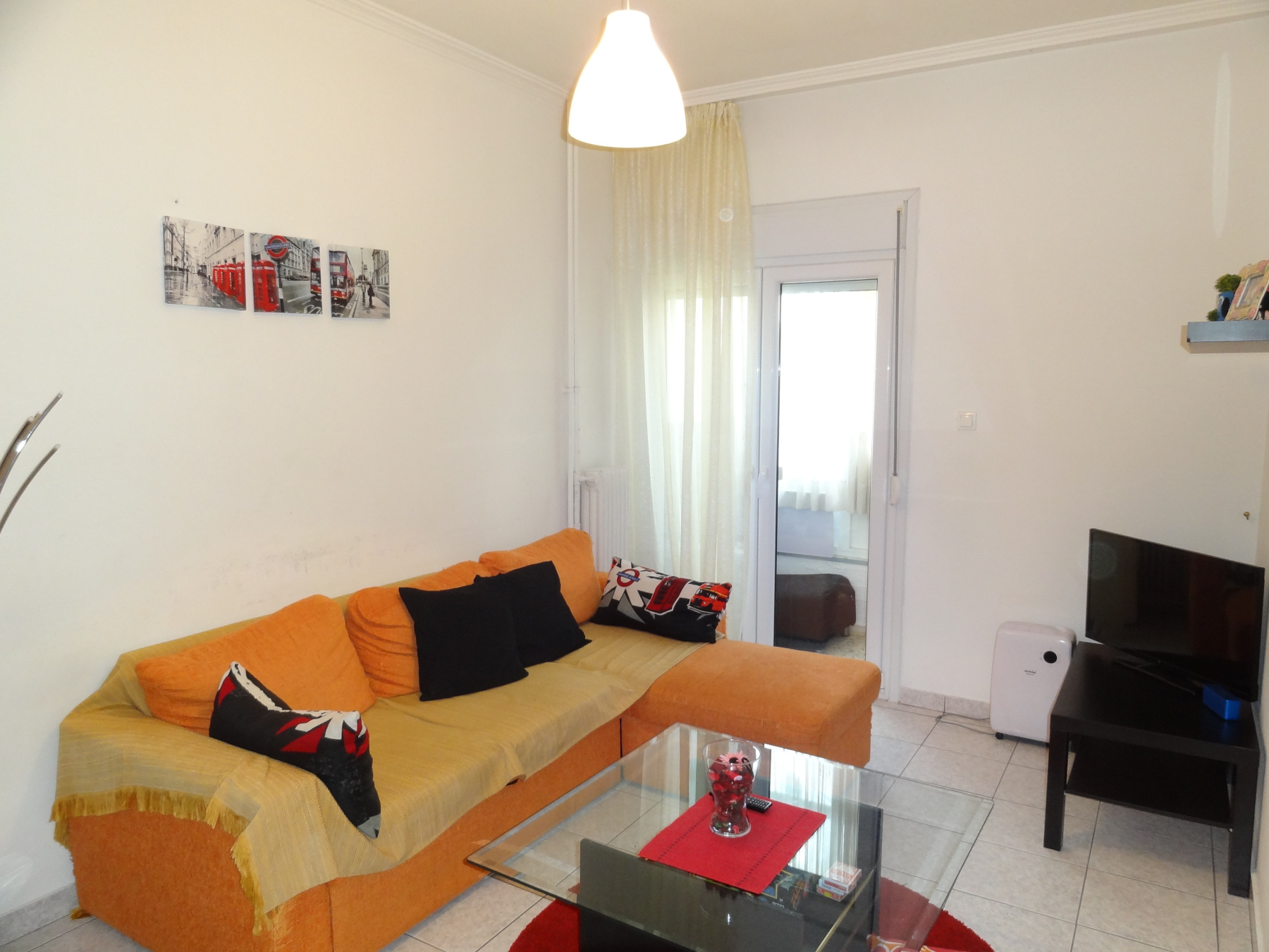 For sale 2 bedrooms apartment of 70 sq.m. 1st floor with parking space near Spyrou Lambrou in the center of Ioannina
