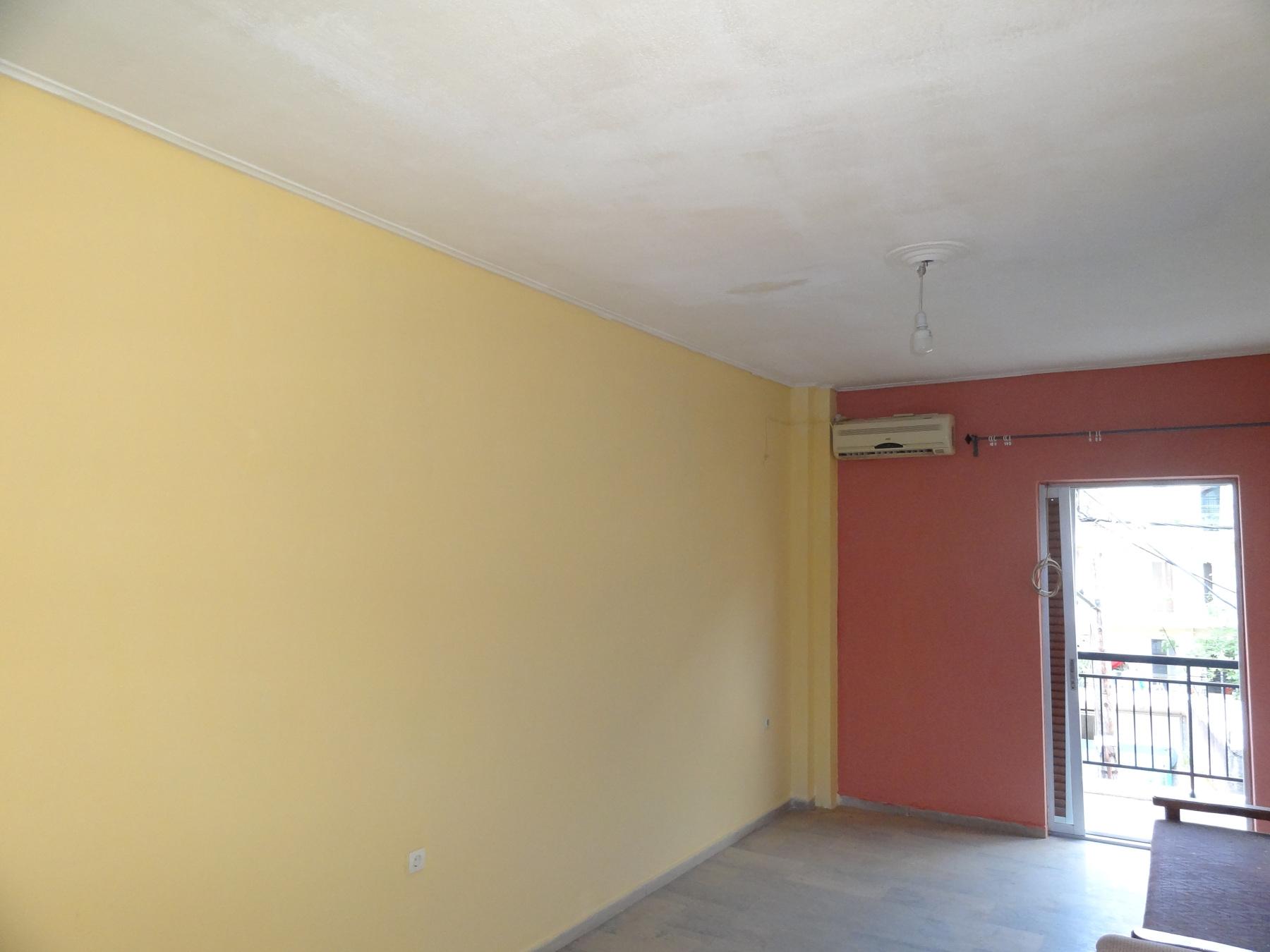 Ενοικιάζεται διαμπερές 3αρι διαμέρισμα 70 τ.μ. 2ου ορόφου στη Καλούτσιανη στα Ιωάννινα