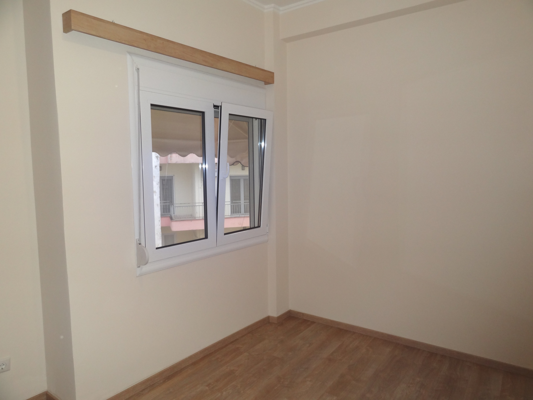 Two-rooms studio for rent, completely renovated in 2021, 34 sq.m. 3rd floor in Pargis square in Ioannina