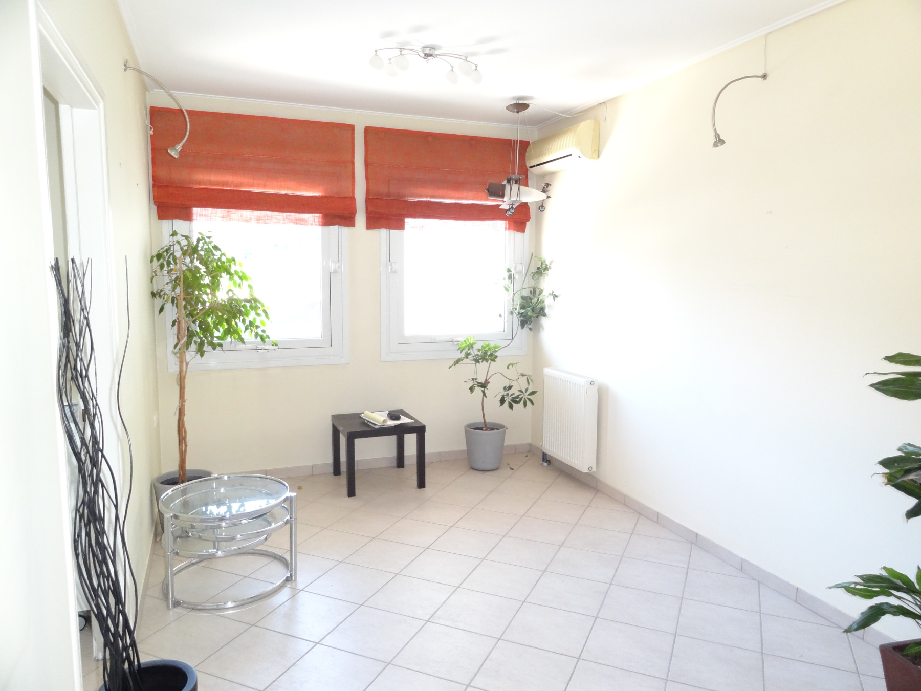 Commercial space for rent, office, 55 sq.m. 1st floor in the center of Ioannina near the building of the Region