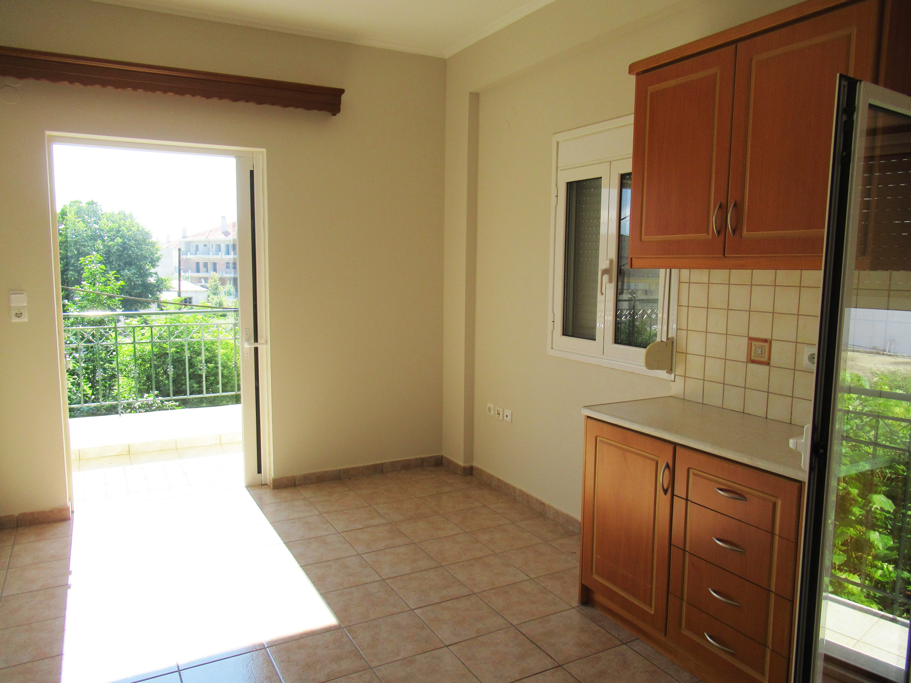 For rent sunny 1 bedroom studio of 38 sq.m. on the 1st floor in the center of Ioannina