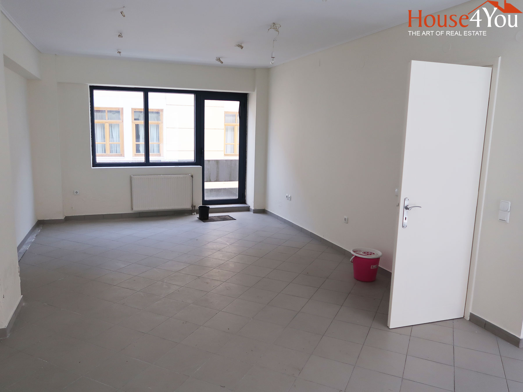 For rent bright office 47 sq.m. of 2002 2nd floor in the center of Ioannina
