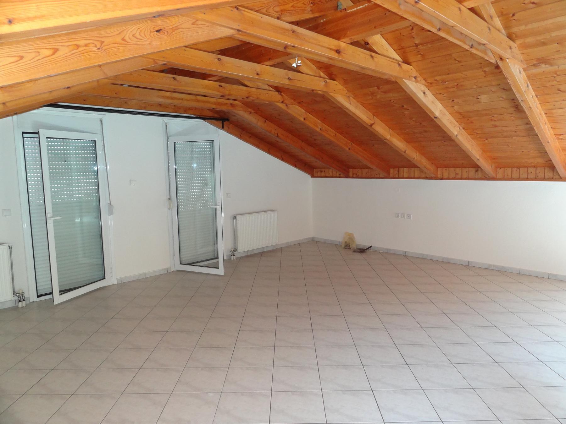 Comfortable 1 bedroom apartment for rent, attic, 70 sq.m. 2nd floor in Ampelokipi in Ioannina