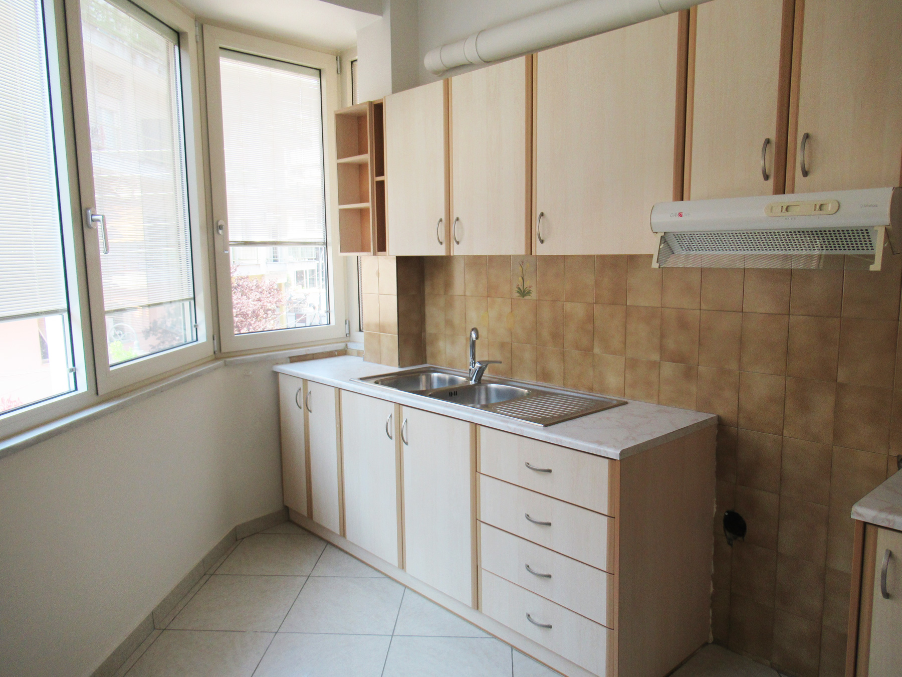 For rent renovated two bedroom apartment of 54 sq.m. on the 2nd floor in the center of Ioannina