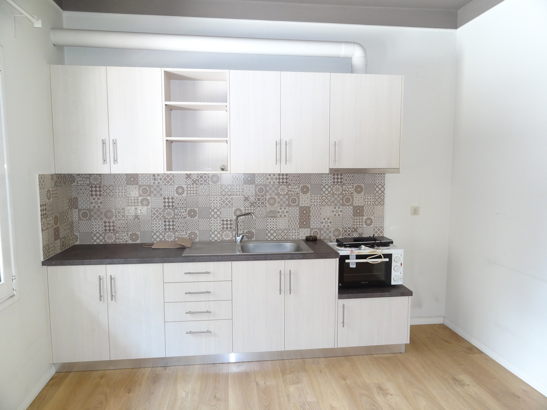 For rent renovated 1 bedroom apartment of 41 sq.m. 1st floor near the Zosimaia school in Ioannina