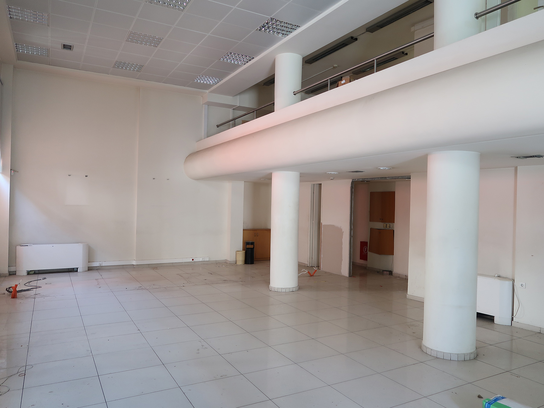 Ενοικιάζεται επαγγελματικό κτίριο συνολικών 1317 τμ. στο κέντρο της πόλης των Ιωαννίνων