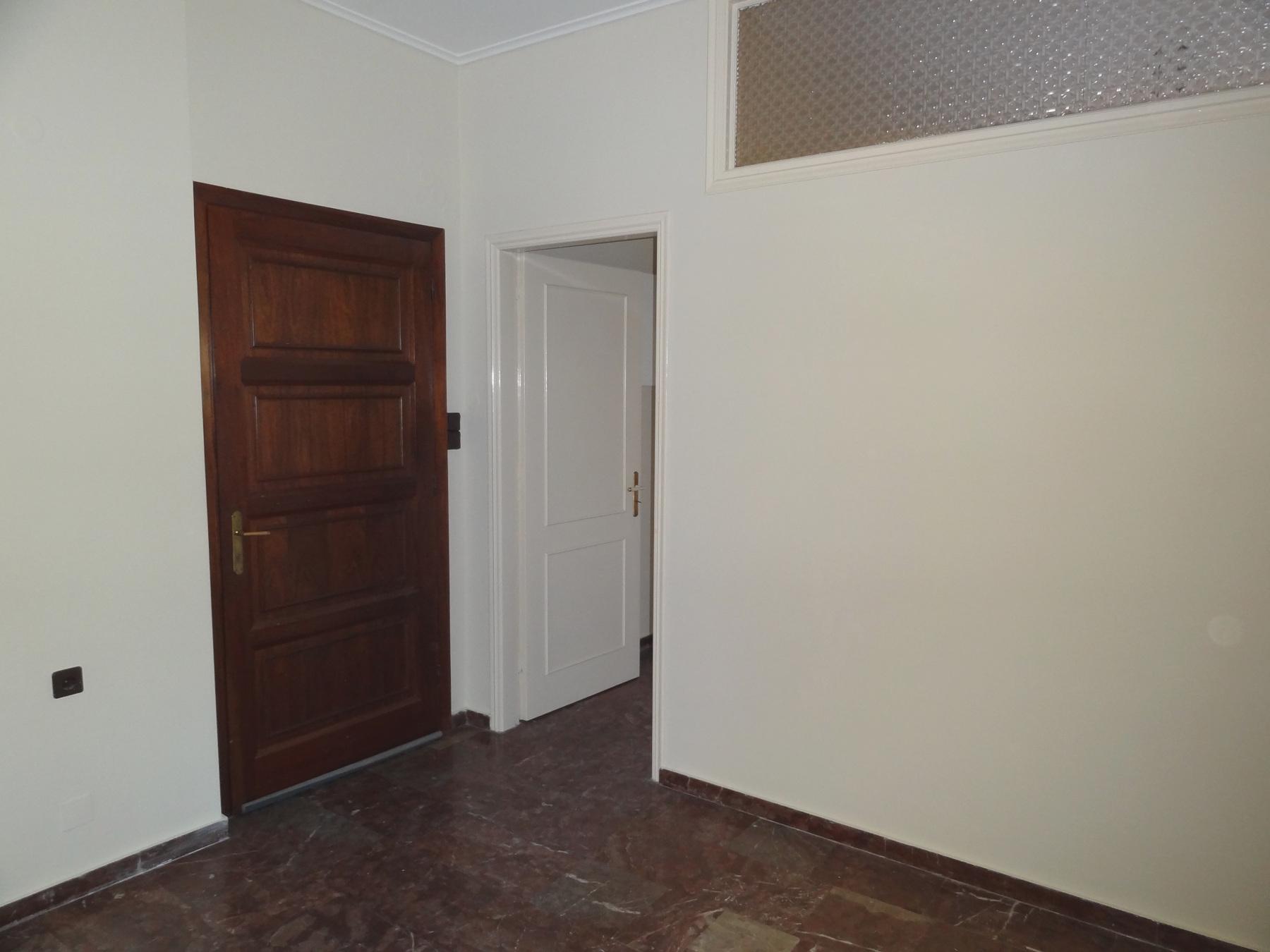 Ενοικιάζεται 2αρι διαμέρισμα 48 τ.μ. 3ου ορόφου στο κέντρο της πόλης των Ιωαννίνων πλησίον της Ακαδημίας