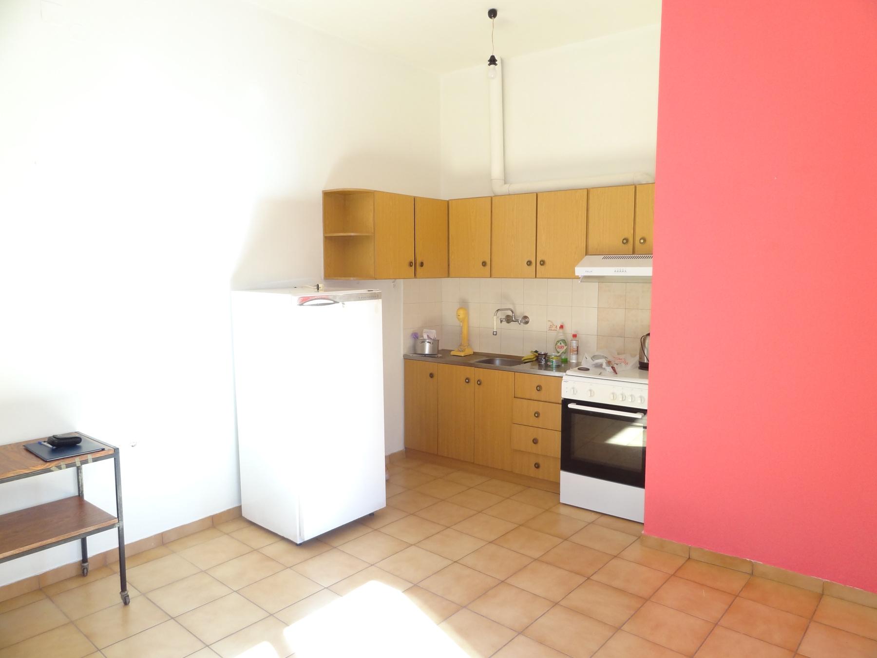 Ενοικιάζεται επιπλωμένο 2αρι διαμέρισμα 45 τ.μ. υπερυψωμένου ισογείου στα Λακκώματα στα Ιωάννινα
