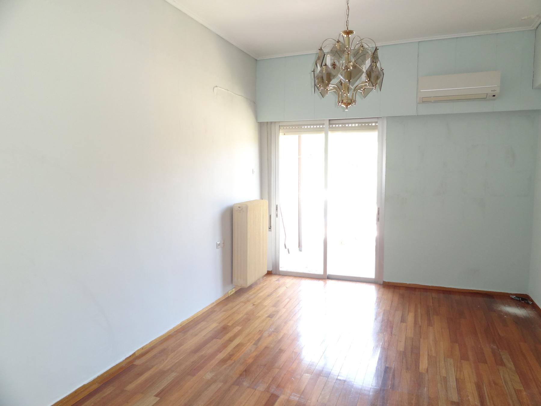 Ενοικιάζεται άνετο 2αρι διαμέρισμα 65 τ.μ. 3ου ορόφου πολύ κοντά στην κεντρική πλατεία Ιωαννίνων