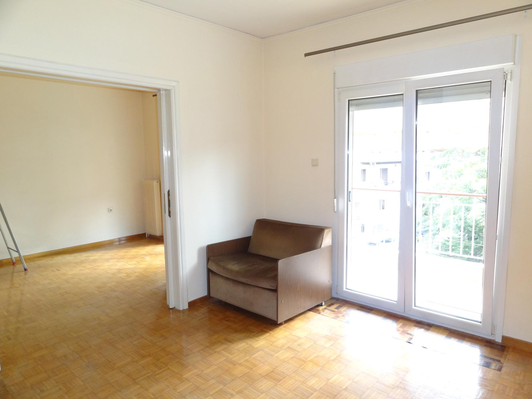 Ενοικιάζεται διαμπερές διαμέρισμα 77 τ.μ. 3ου ορόφου στην περιοχή του Γηροκομείου στα Ιωάννινα