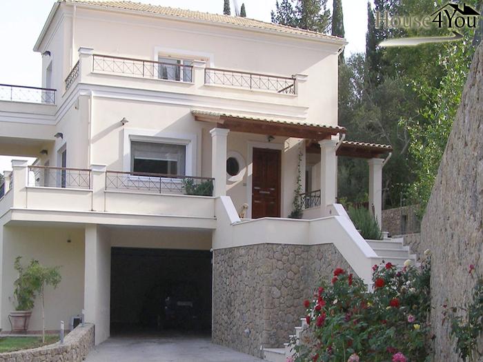 Πωλείται βίλα πολυτελείας στην περιοχή Κυνοπιάστες Αχιλλείου της Κέρκυρας