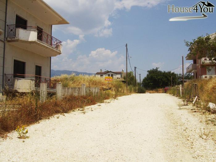 Πωλείται οικόπεδο 400 τμ. με ΣΔ 0.6 κοντά στην Αγία Σοφία Ανατολής στα Ιωάννινα