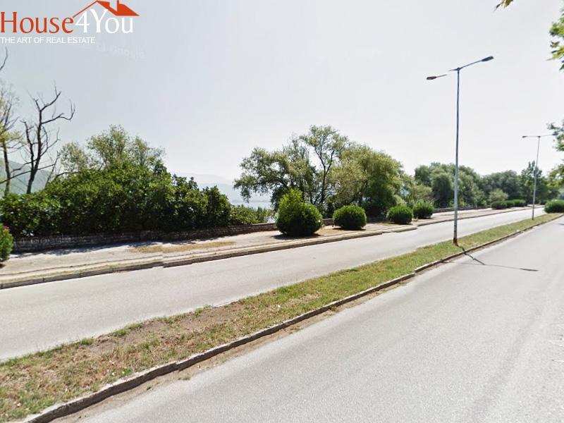 Πωλείται οικόπεδο 165τμ. με ΣΔ. 0.8 δίπλα στο ξενοδοχείο Du Lac στα Ιωάννινα