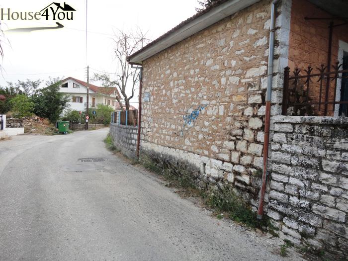 Πωλείται γωνιακό οικόπεδο 450τμ. με Σ.Δ. 0.8 στο Τσιφλικόπουλο Ιωαννίνων