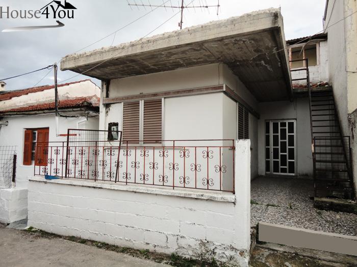 Πωλείται οικόπεδο 114τμ. με Σ.Δ. 0.8 με μονοκατοικία κοντά στο αεροδρόμιο Ιωαννίνων