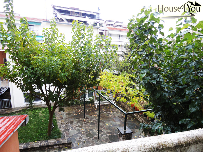 Πωλείται δίχωρη γκαρσονιέρα 46τμ. 1ου ορόφου στην Απολλωνίας 35 στο  κέντρο Ιωαννίνων