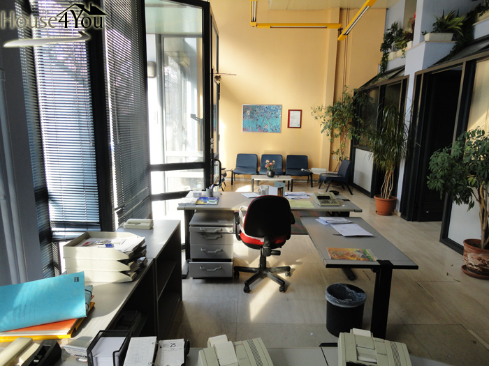 Ενοικιάζεται επαγγελματικός χώρος 318τμ. στην Μεγ.Αλεξάνδρου στα Γιάννενα